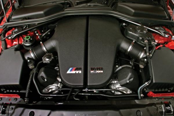 Тяга к победе / Тест-драйв Audi RS6 Avant и BMW M5 Touring