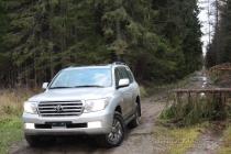 Toyota Land Cruiser 200: очень хорошего должно быть очень много