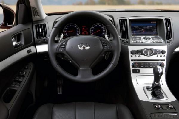 Красной линией / Тест-драйв Audi A5, Infiniti G