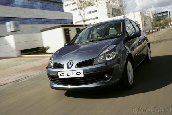 Шик в малых дозах / Тест-драйв Peugeot 207 и Renault Clio