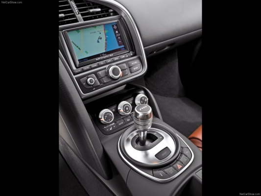 Сильный ход / Тест-драйв Audi R8