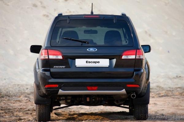 Спасение бегством / Тест-драйв Ford Escape