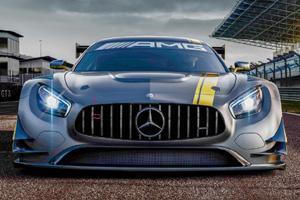 Гоночный Mercedes-Benz AMG GT