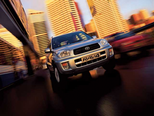 Хорош со всех сторон / Тест-драйв Toyota Rav4