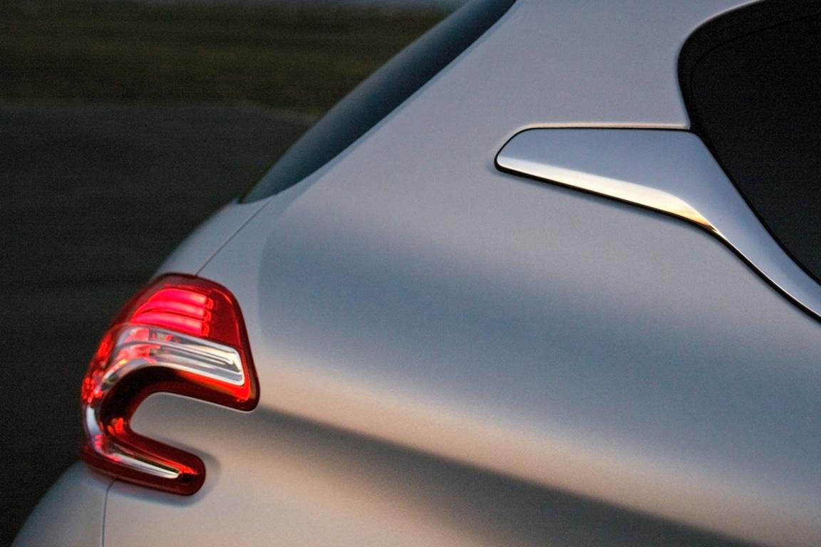 Peugeot 208: Маленький герой