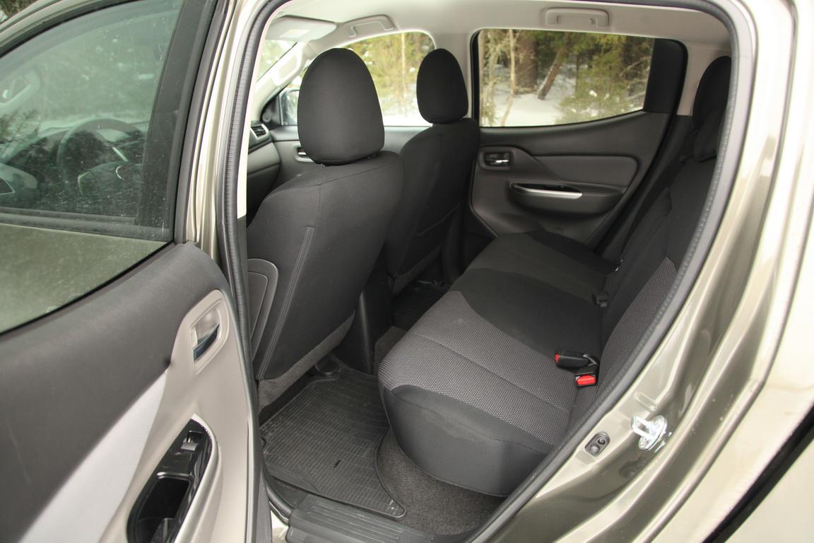 Fiat Fullback Салон задний ряд сидений