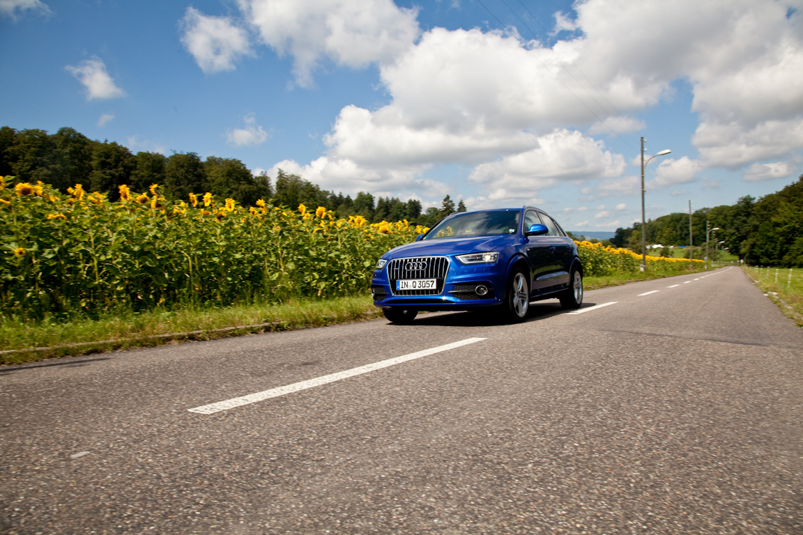 Audi-Q3-AutoRating-Ru_14.jpg