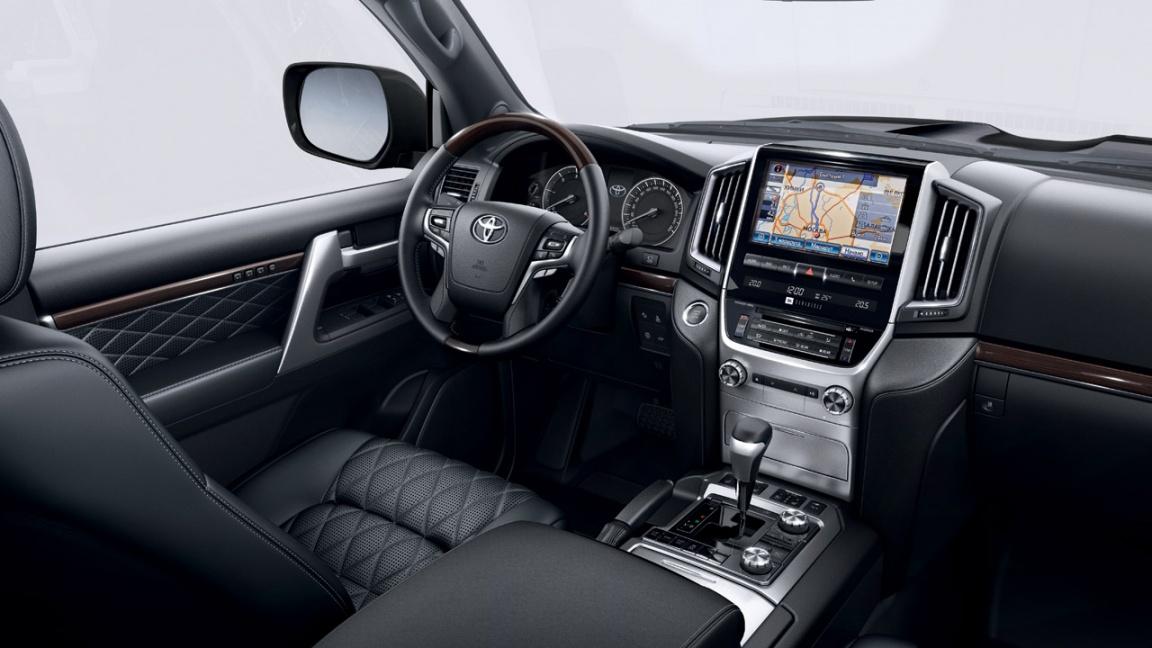 Toyota Land Cruiser 200 Excalibur 2017