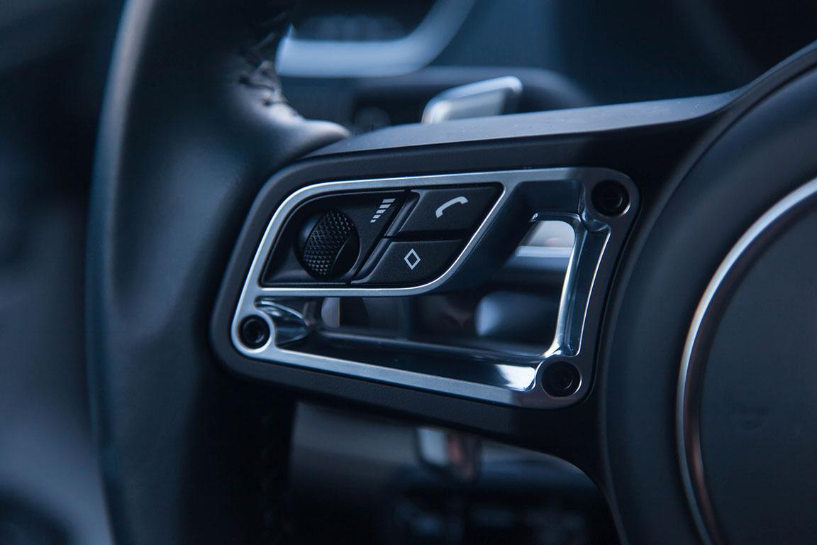 Porsche Cayman S 2017 Мультируль