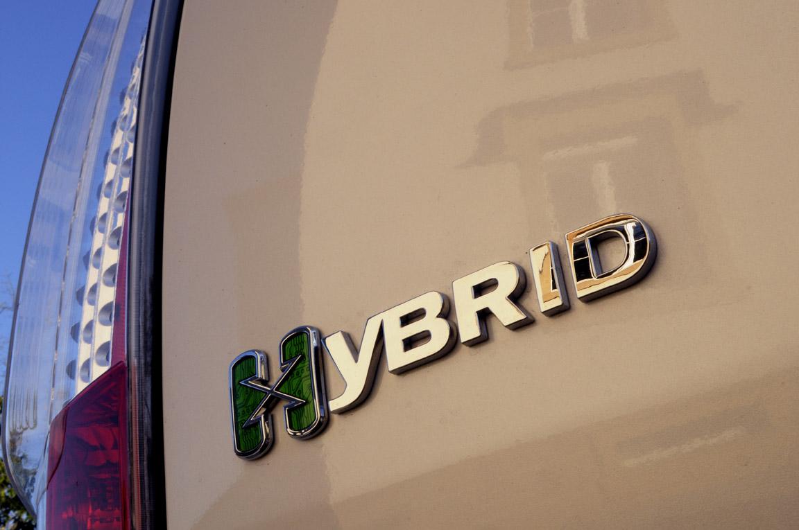 007, Escalade Hybrid.jpg