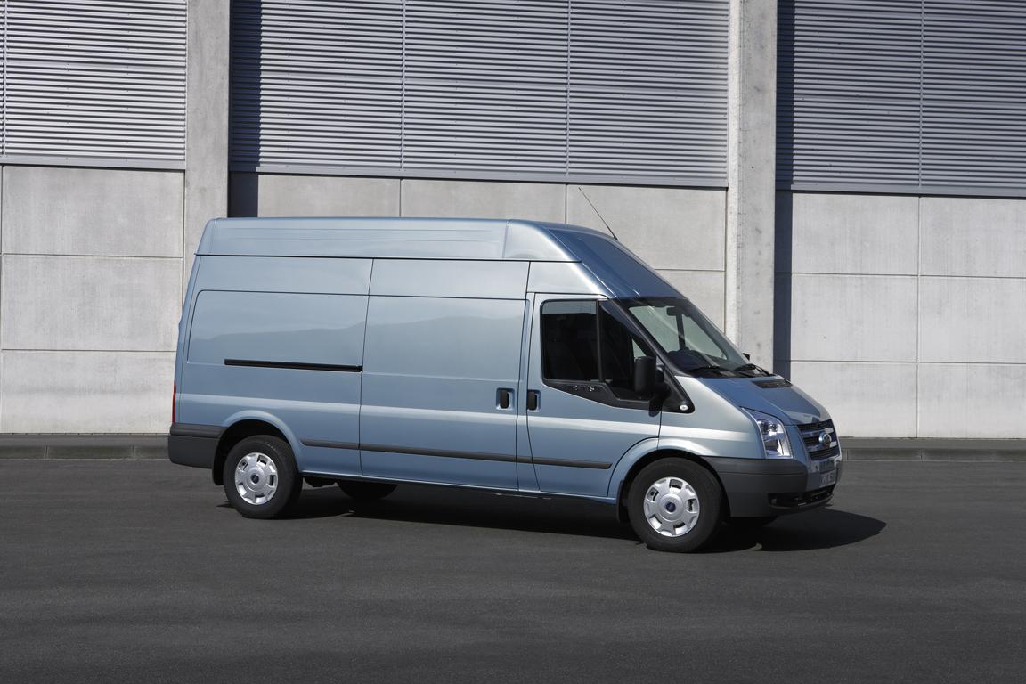 Ford Transit: Новое лицо, старые цены