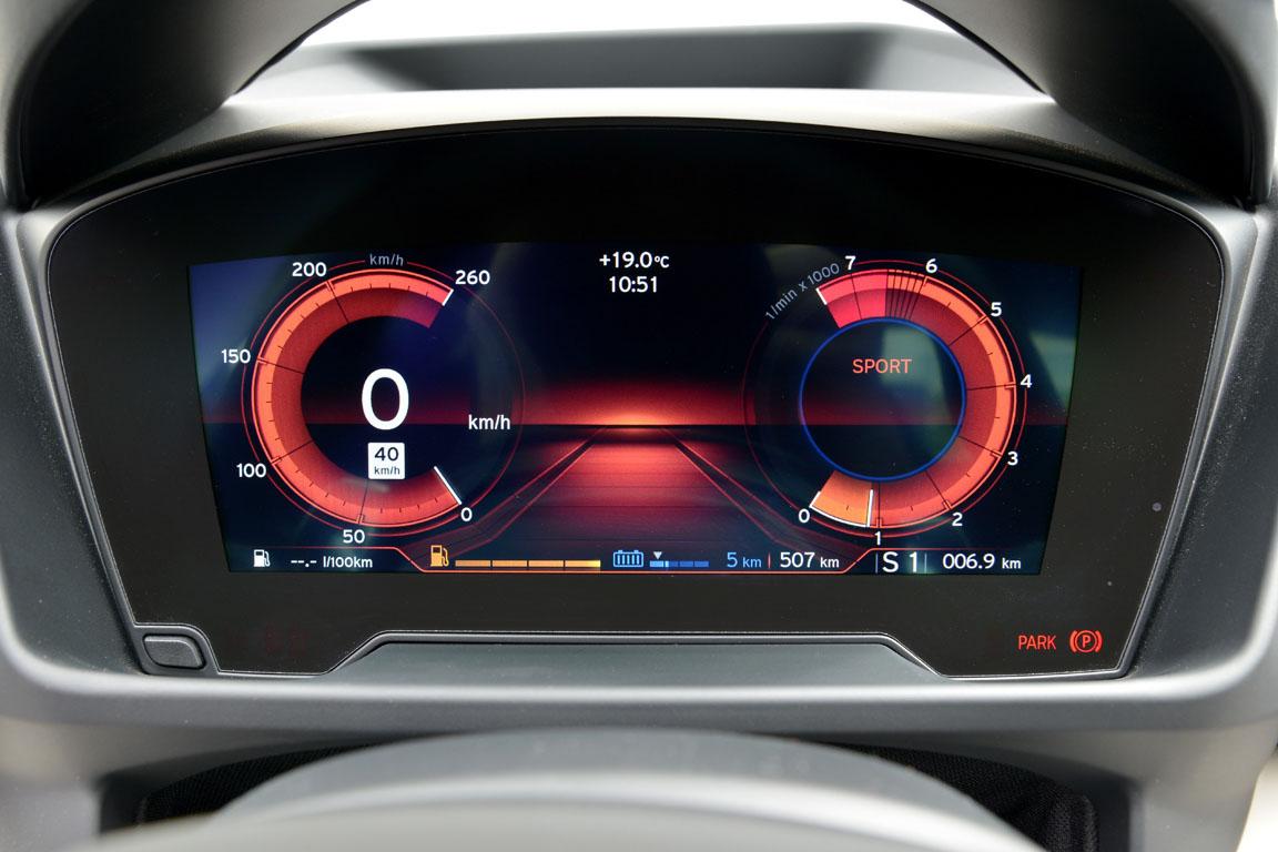 BMW i8 панель приборов