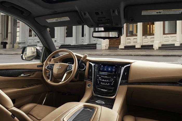 На рынке автомобилей Российской Федерации стартовали продажи улучшенного кадилак Escalade
