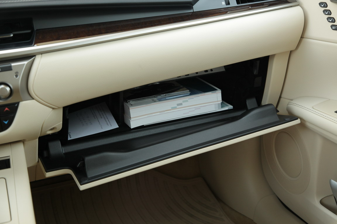Lexus ES: Погружение в премиум