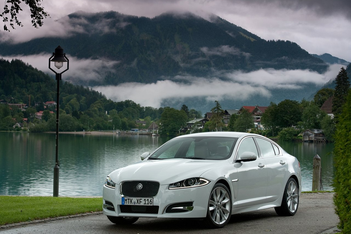 Jaguar-XF_2012_1280x960_wallpaper_0e.jpg