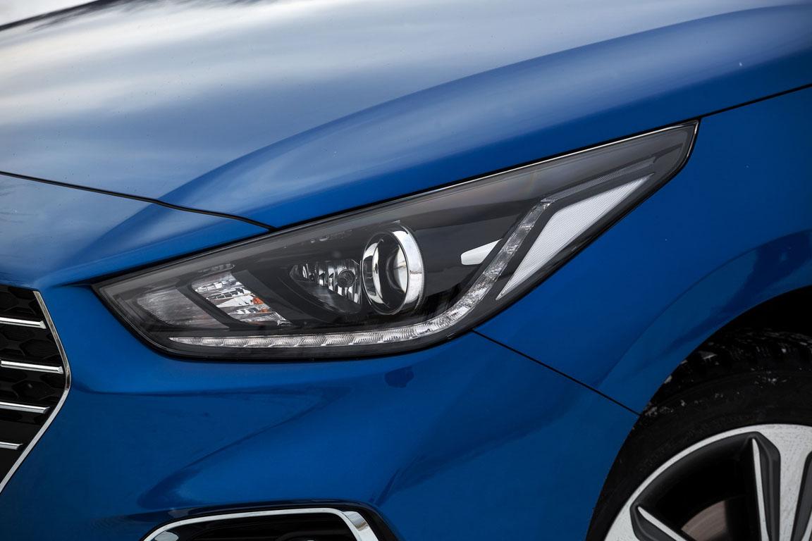 Hyundai Solaris передняя фара