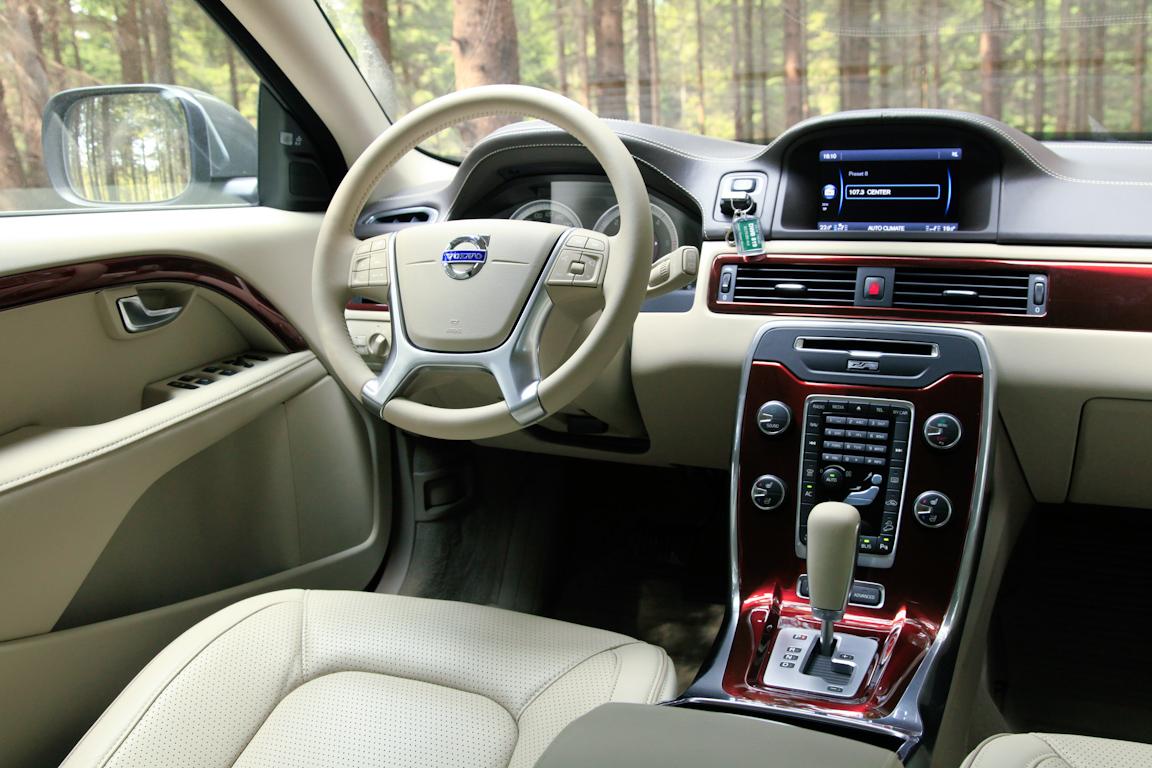 Volvo XC70 Интерьер