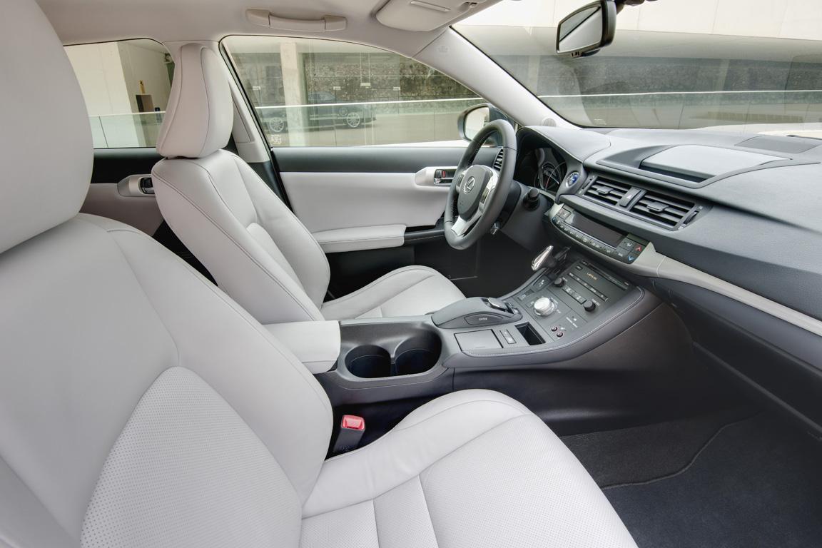 2-Lexus-CT200h_05.JPG