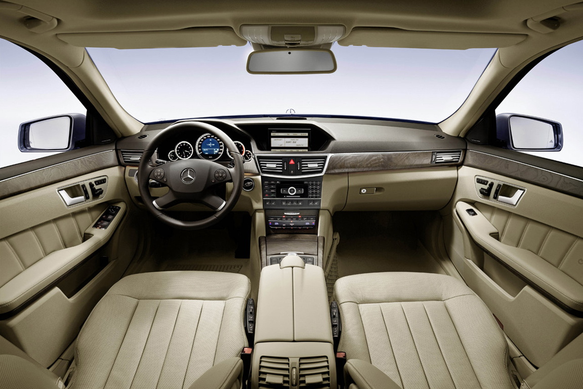 Mercedes-Benz E-Class: Рождественский экспресс