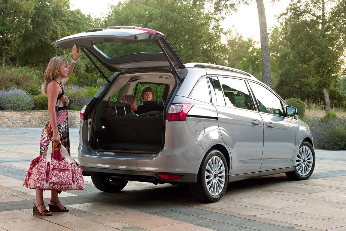 Ford C-Max: Для тех, кто любит погорячее.