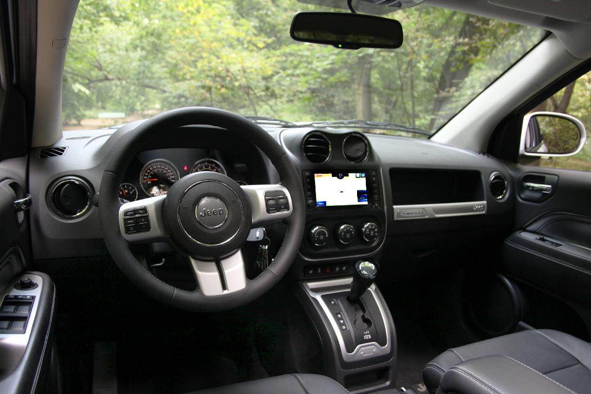 Jeep Compass: Плюс шесть