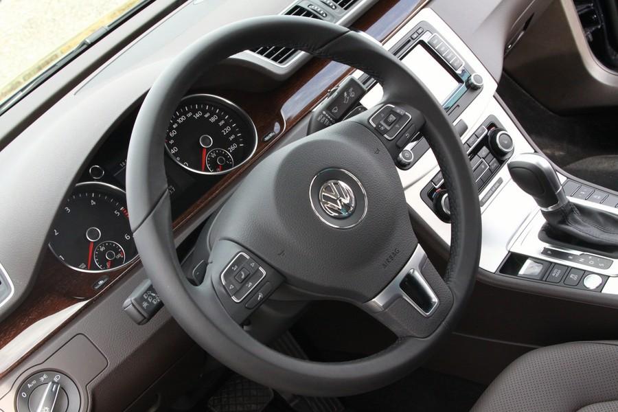 Volkswage_Passat_new_34.JPG