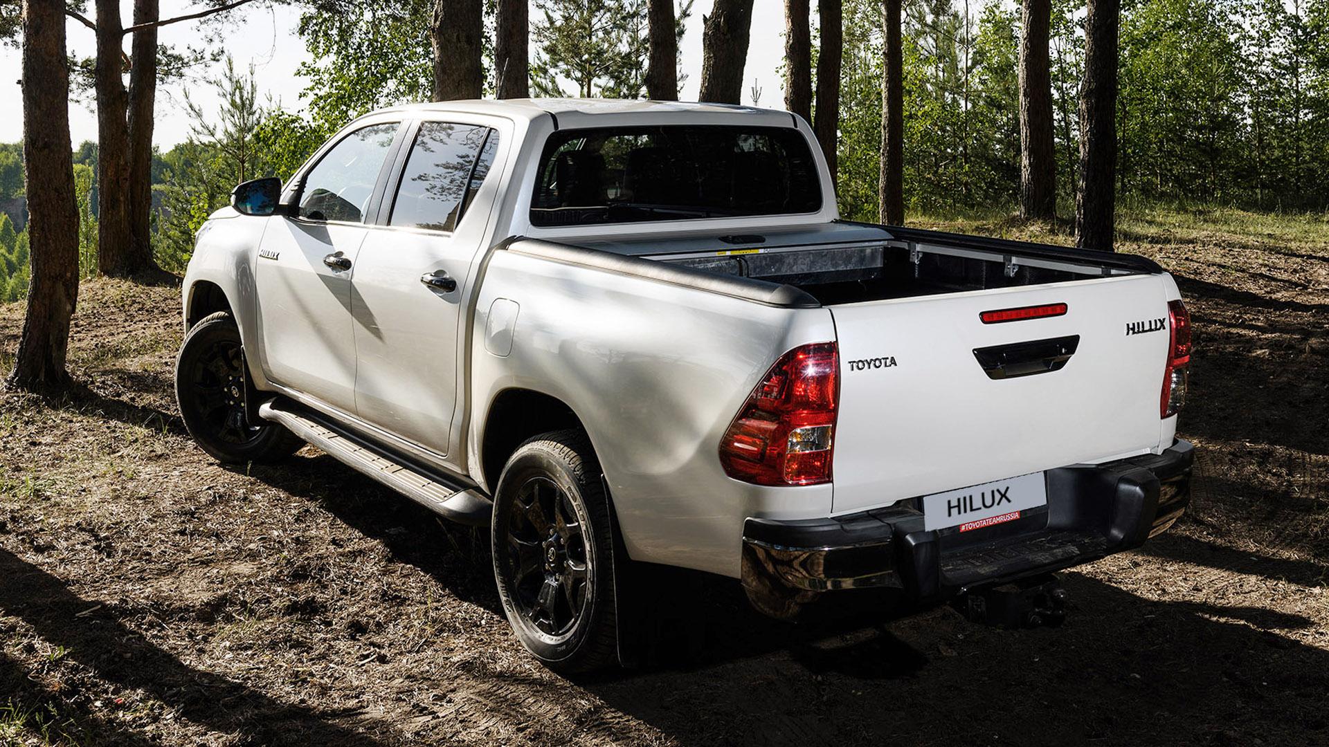 Toyota Hilux Exlusive Black