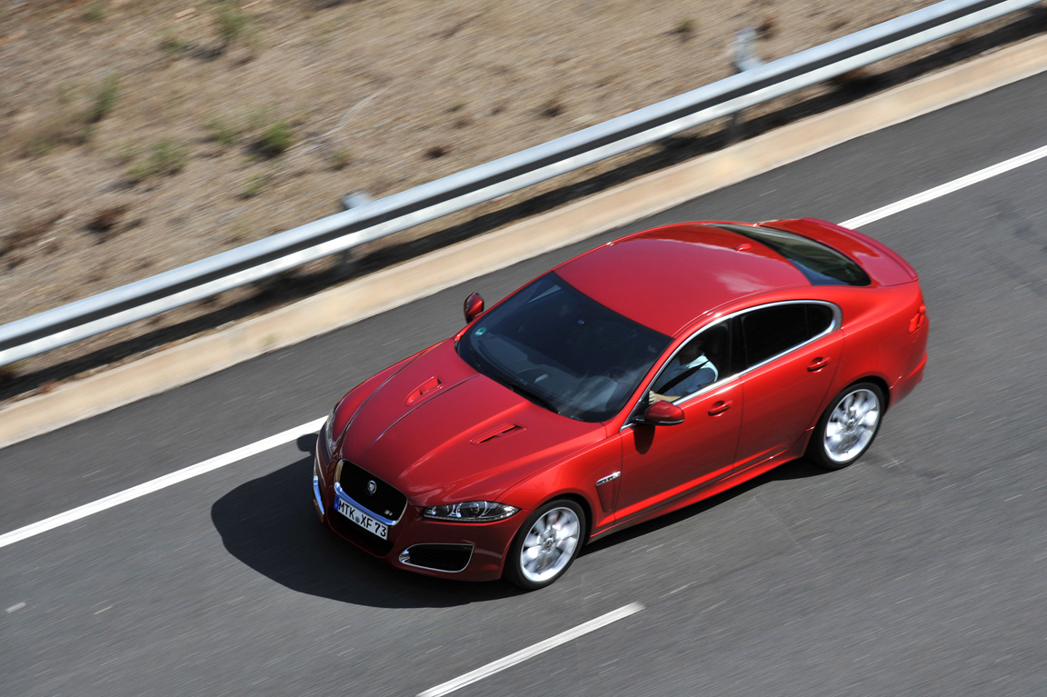 Jaguar XFR: Современная классика