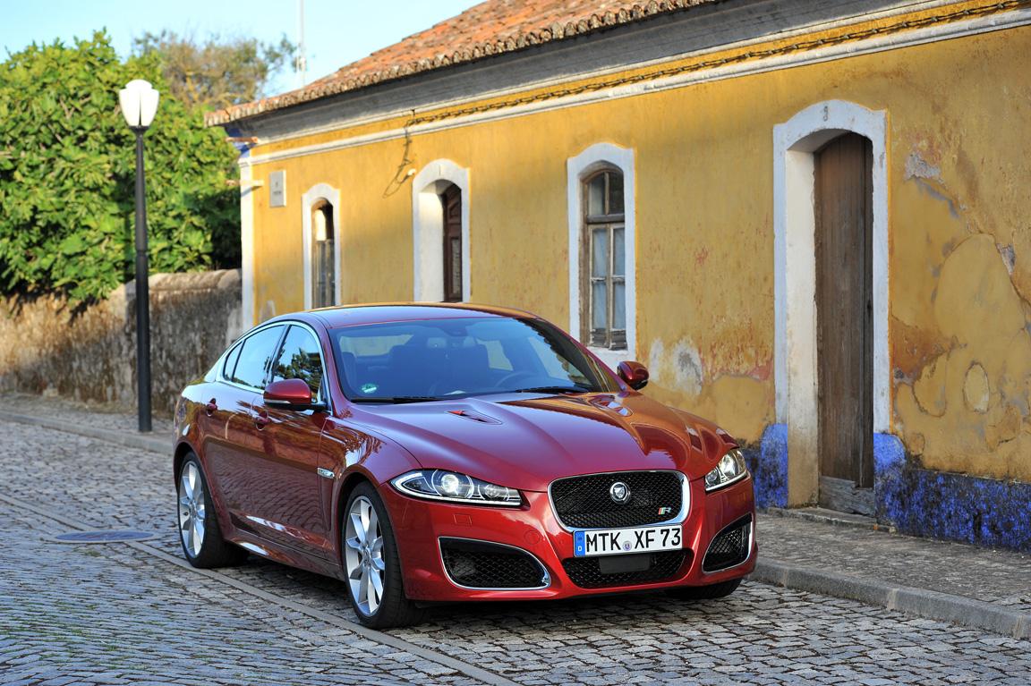 jaguarxf2012_22.jpg