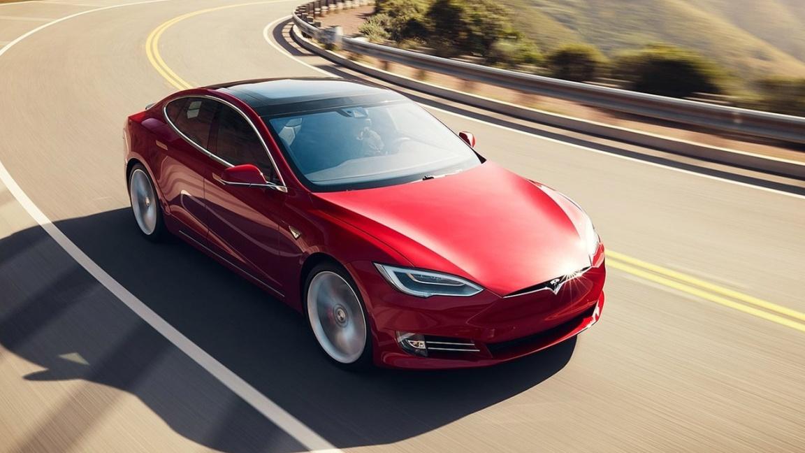 Tesla Modes S 2017