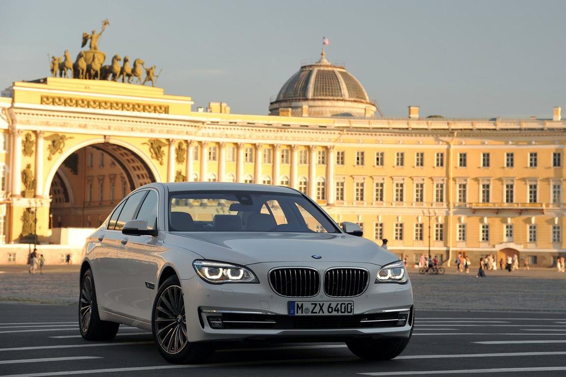 Флагман на Неве. Тест-драйв обновленного BMW 7 серии