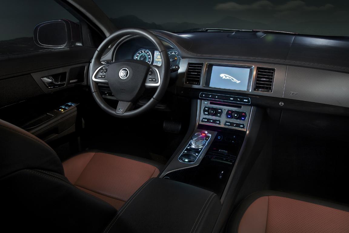 jaguarxf2012_13.jpg