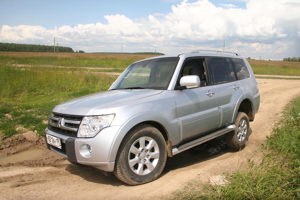Mitsubishi-Pajero-IV_03.jpg