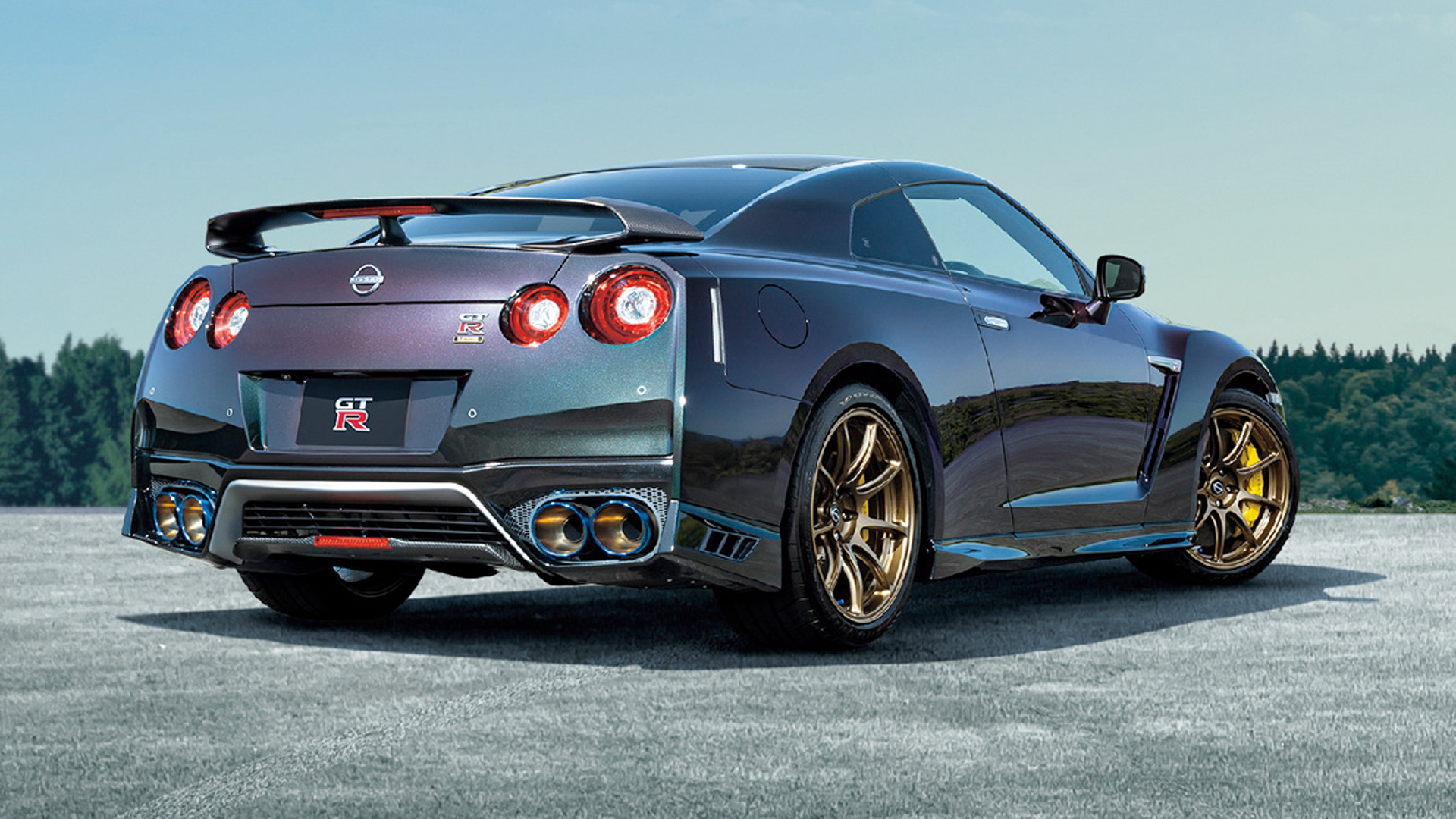 Nissan GT-R Track Edition Engineered by Nismo T-spec