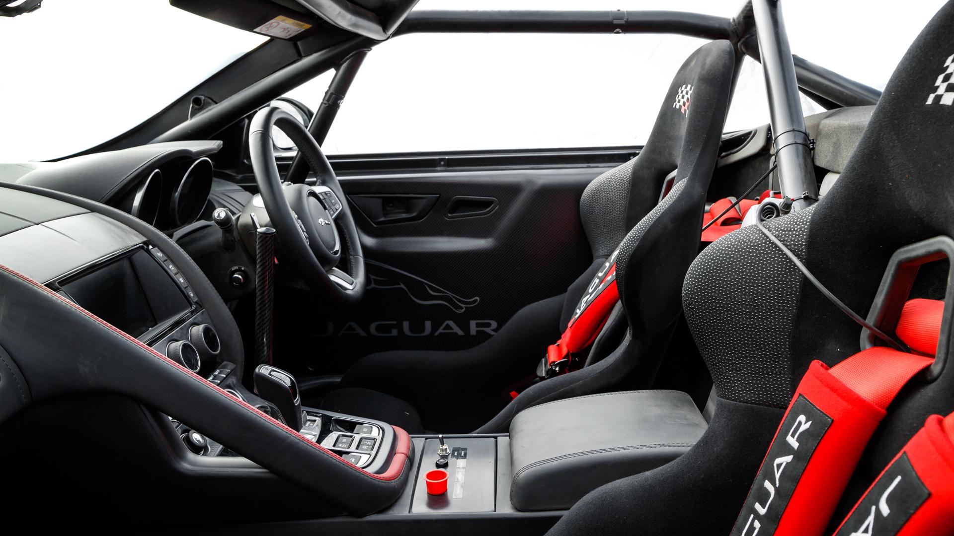 Jaguar F-Type Chequered Flag