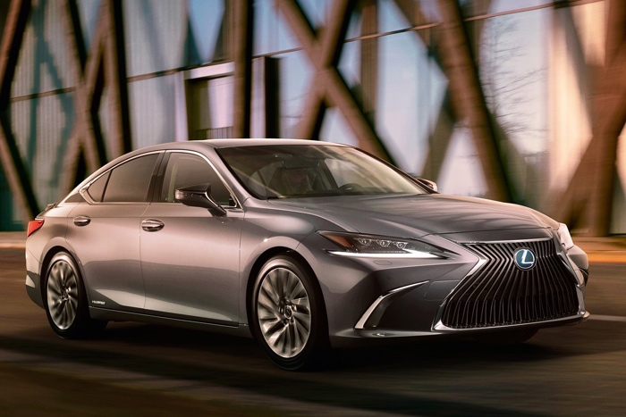 Новое поколение Lexus ES