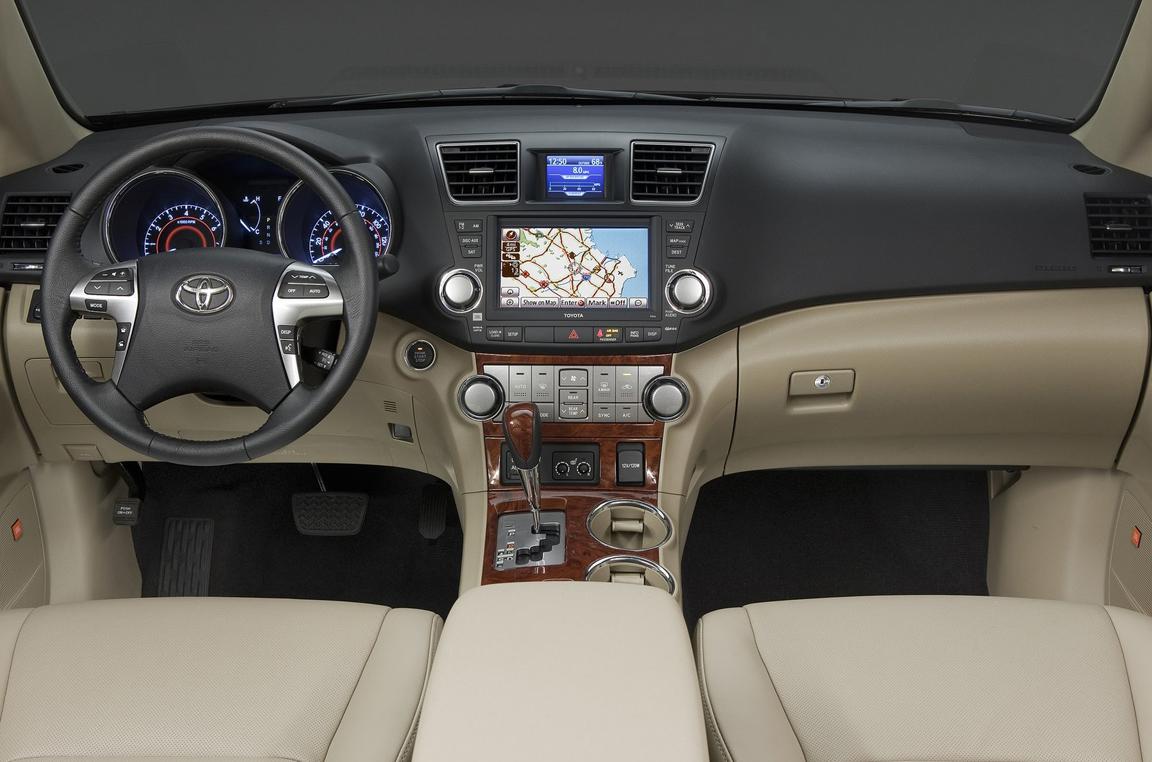 Toyota-Highlander_2011_1600x1200_wallpaper_14.jpg