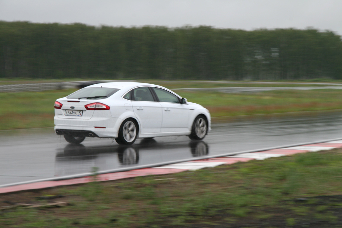 1Ford-mondeo_13.jpg